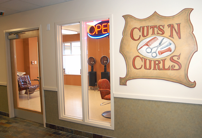Cuts 'N Curls Salon